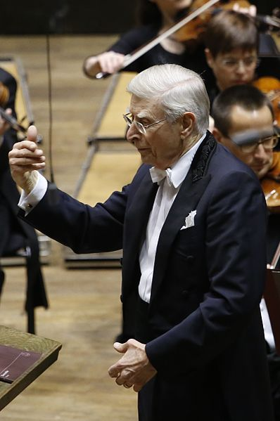 398px-herbert_blomstedt_in_leipziger_gewandhaus_at_17th_december_2015